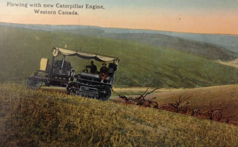Гусеничный трактор Caterpillar